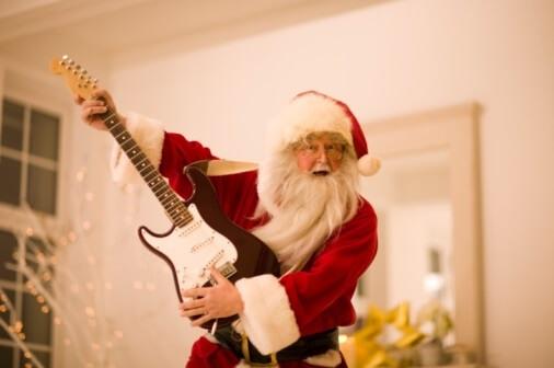 santa-guitar